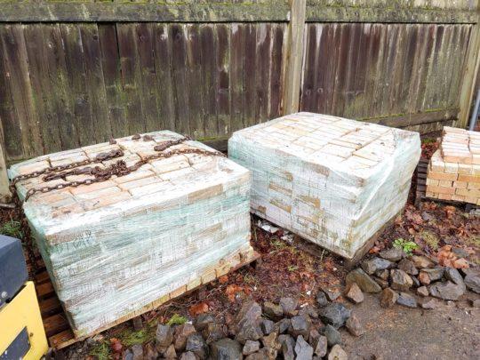 8 Bricks recycled