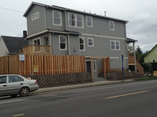 8 Skinny home built on LHS